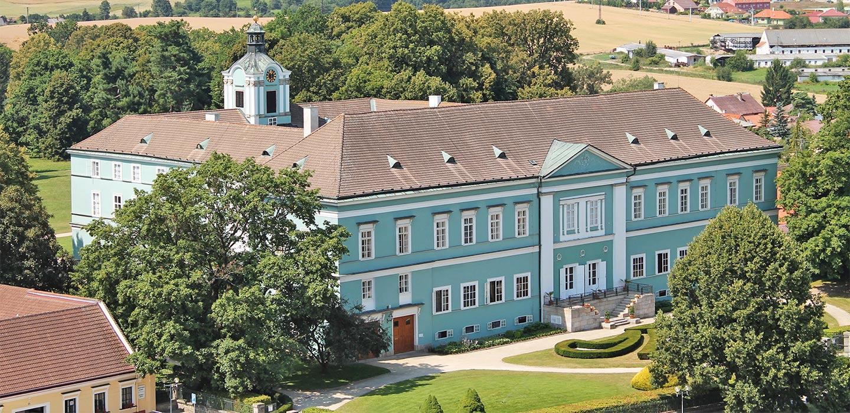 Zámek Dačice – Schloss Datschitz
